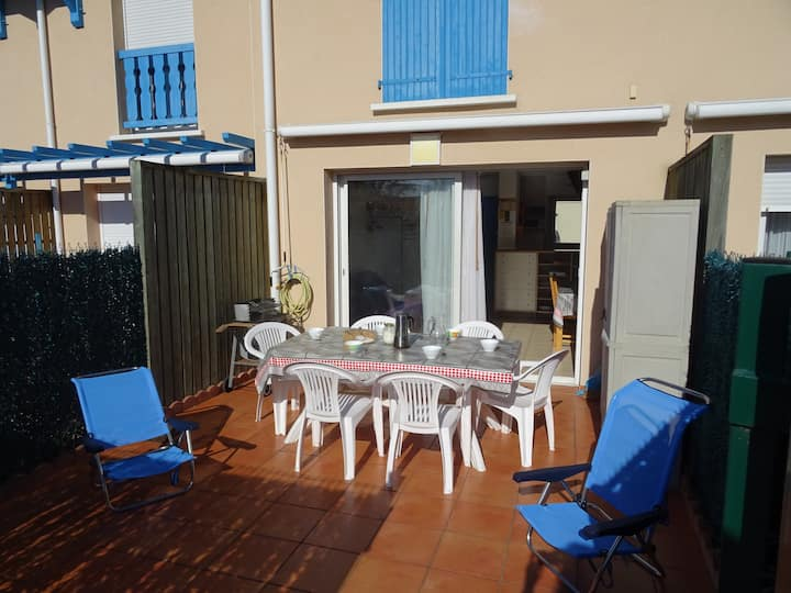 Vieux Boucau, nice and well located 2-BR apartment