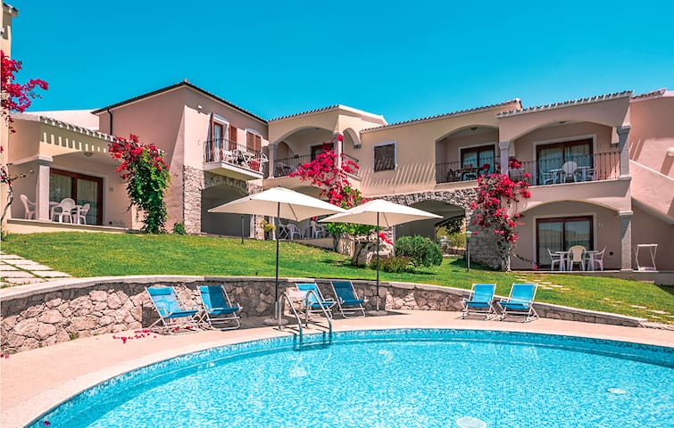 Holiday apartment with 1 bedroom on 44m² in Badesi