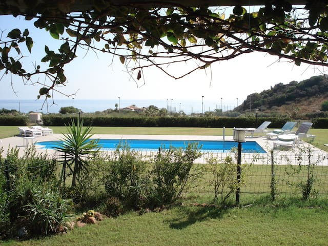 Villa 100mt from the sea in equipped residence