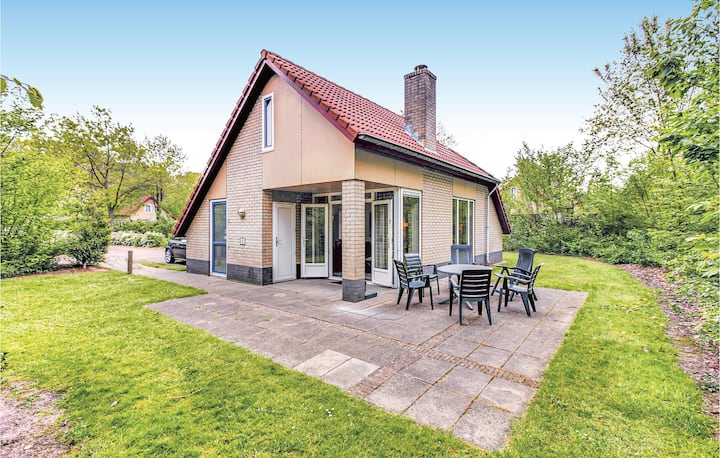 Holiday cottage with 3 bedrooms on 86m² in Dalfsen