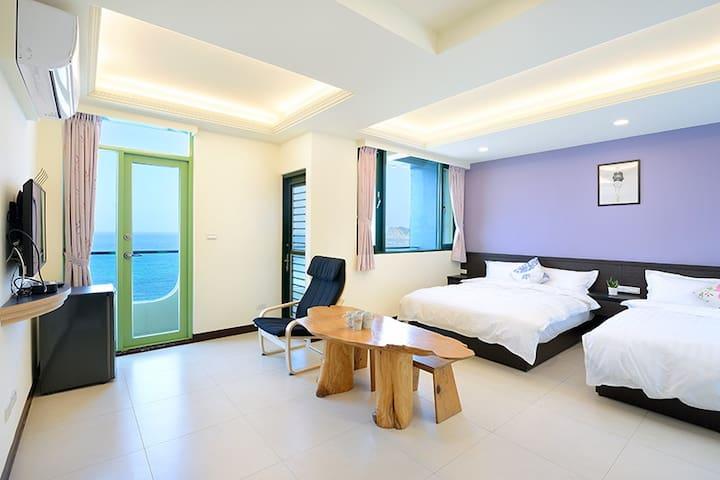 501 Quad room. Ocean, Mountain view, big balcony