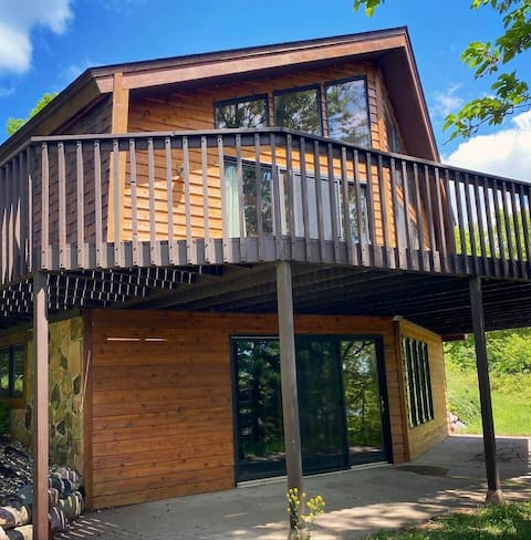 Harvest Moon Cabin - private Wisconsin getaway!