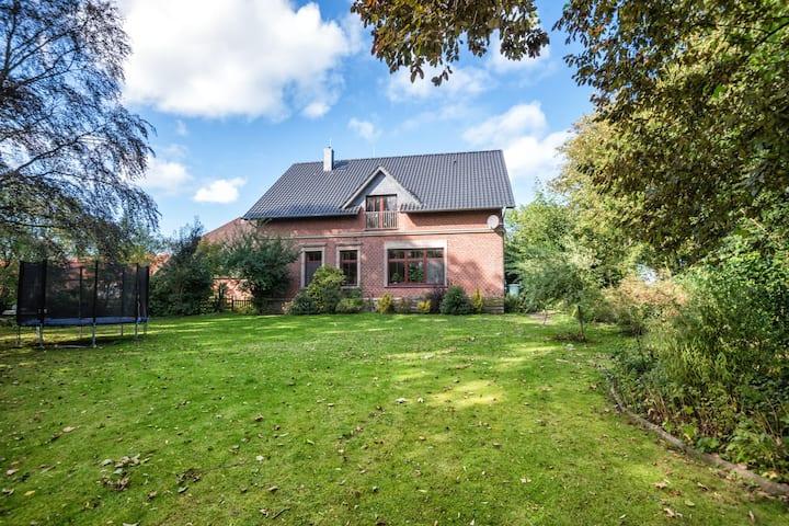Feines Gästezimmer auf Bauernhof in Butjadingen
