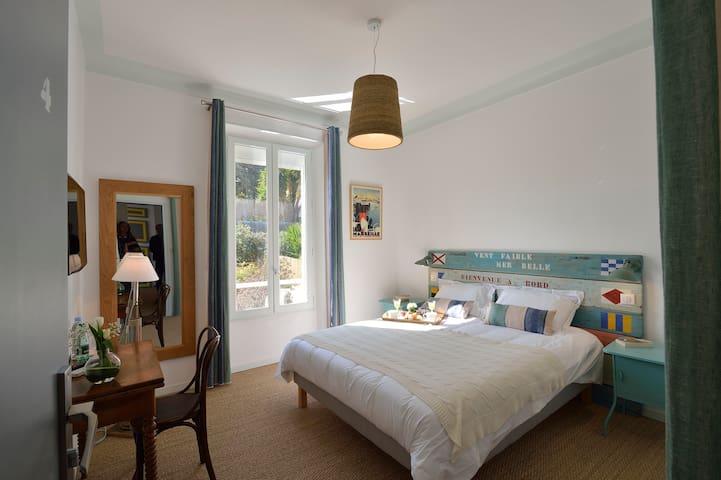 Villa du Roc Fleuri CANNES : chambre 4 double