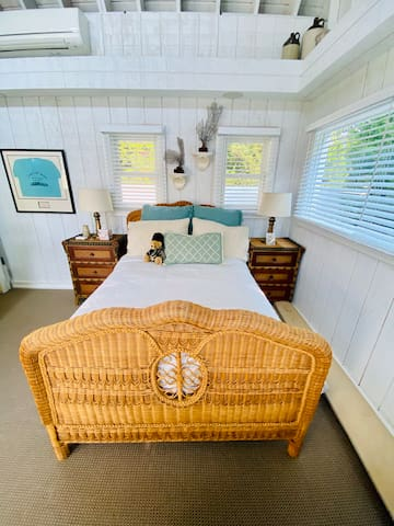 Lovely bed will welcome you with brand new percale linens. A pillow top mattress guarantees to soothe you after an active day in the Hamptons. Night tables on both bedsides provide 3 draws for each guest. Lamps encourage cozy, nighttime reading.