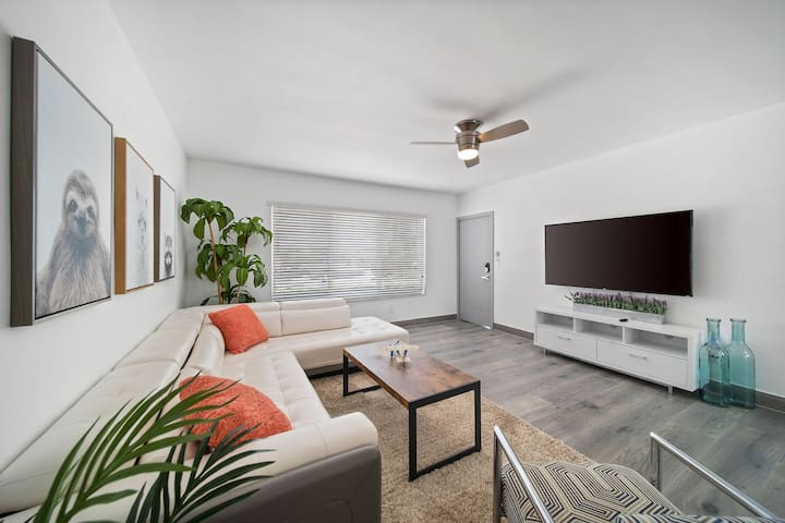 ♛Spacious condo Walk to Beach, 15 Min F South BCH♛
