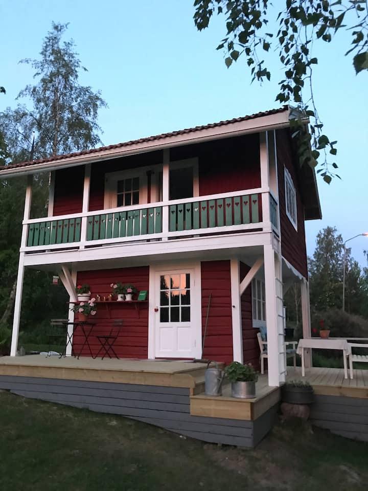 Mysigt härbre i Leksand. Fin utsikt, två sovrum.