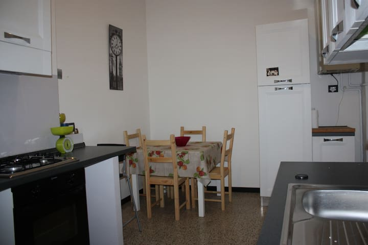 App. confortevole con balcone - Terni - Apartment