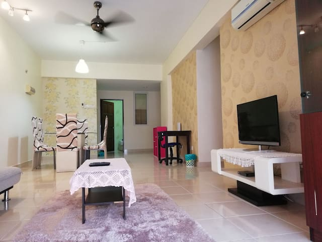 *NEW*4Bedroom Condominium for 10pax Stay in Penang