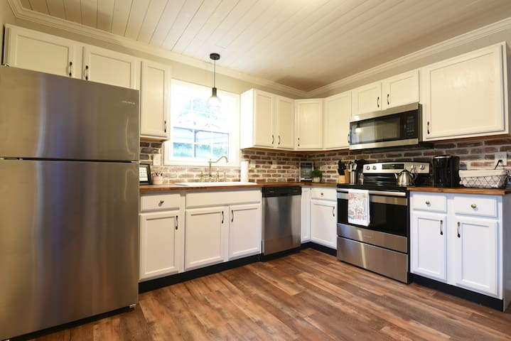 Charming Home in Vibrant 4th and Gill District