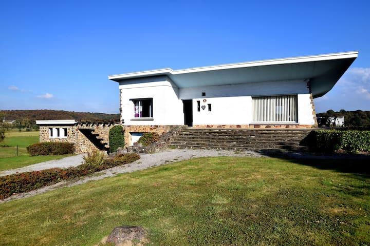 Belle villa avec jacuzzi extérieur, cheminée et vue phénoménale