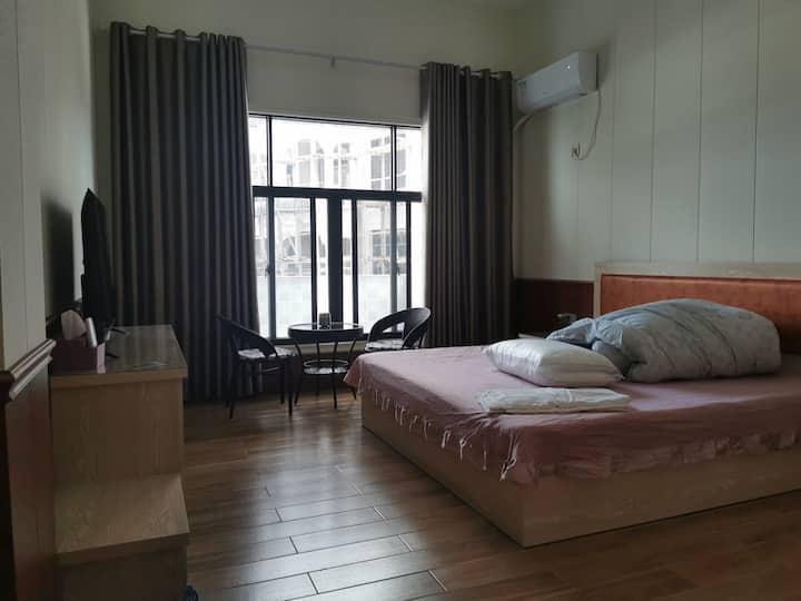 鱼骨沙洲三宿民宿201 中式装修设计风格 精装大床房