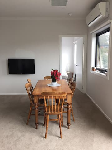 New apartment minutes from the CBD! - Mount Nelson - Apartment