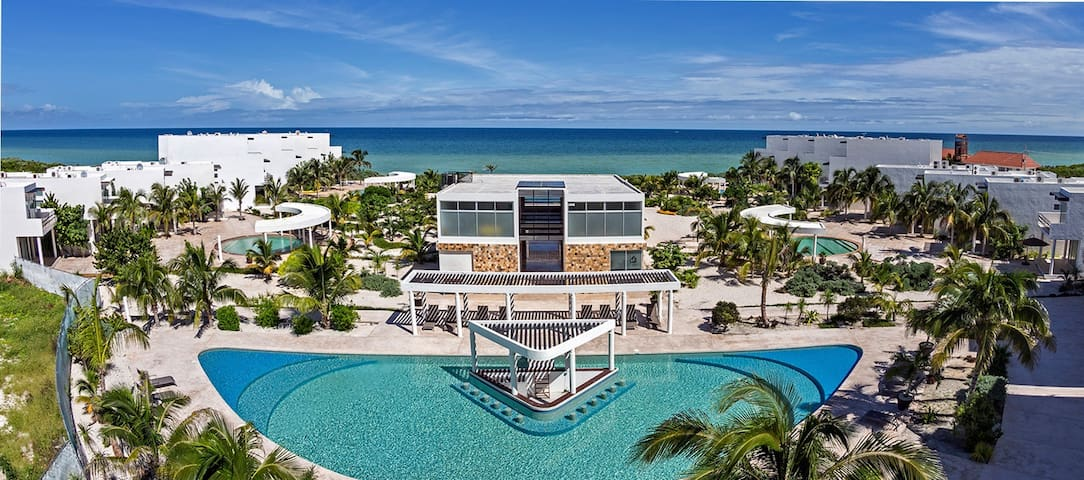 Luxurious beachfront vacation