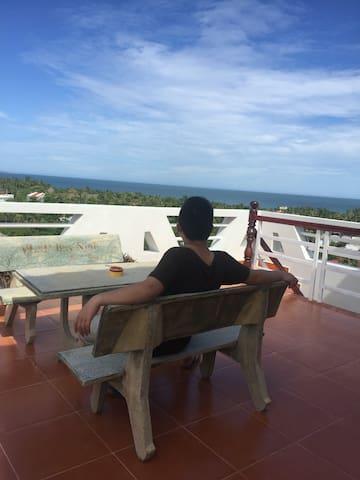 Viet's hotel seaview