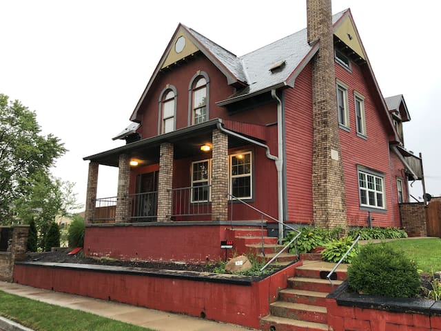 Charming red house in downtown Indy