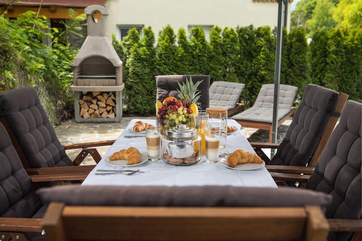 ☀ Entire big house below Bled castle ☀  BBQ+BIKES