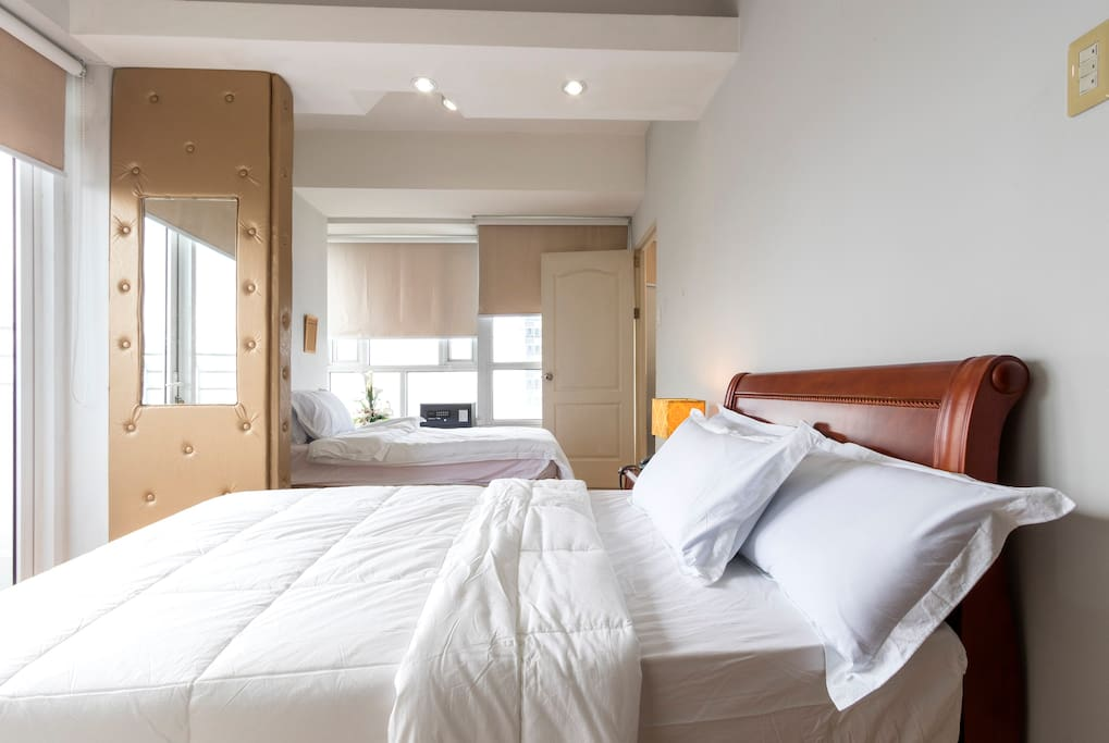 Bedroom area with 2 twin size beds