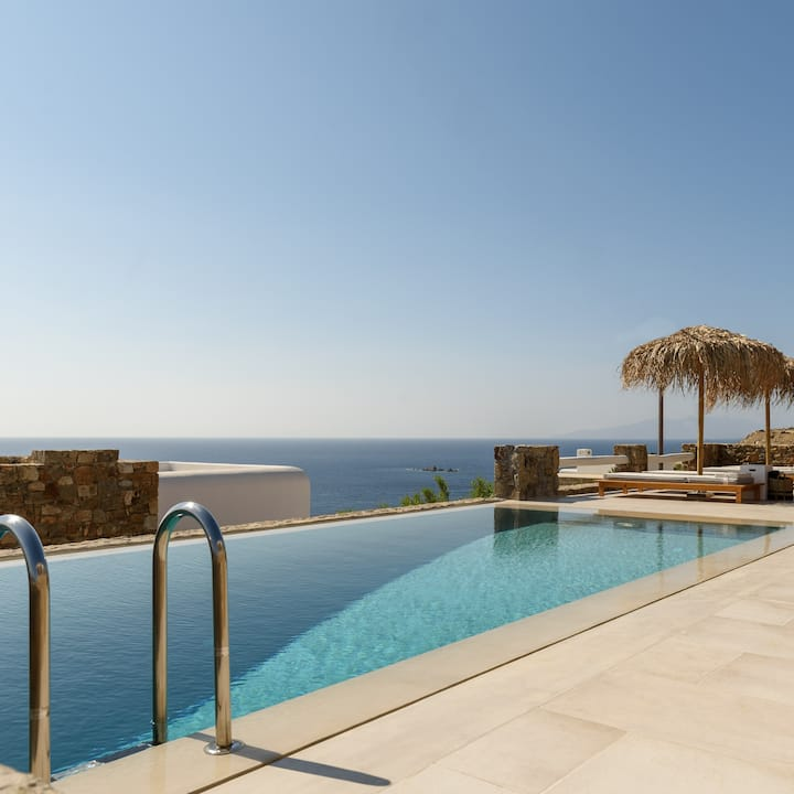 The Summit of Mykonos - Room with Outdoor Jacuzzi