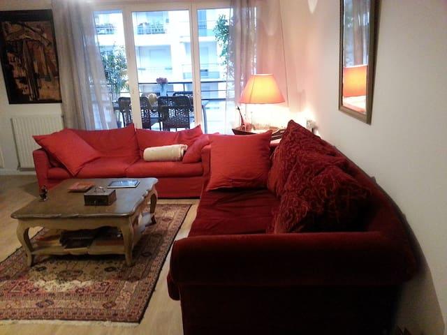 Chambre dans bel appartement au centre ville
