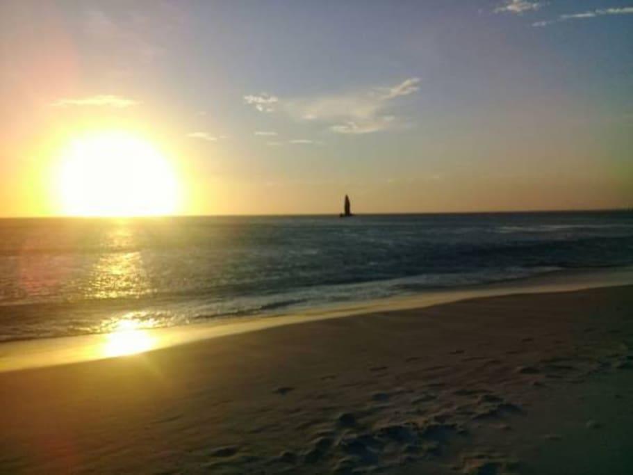 O por do sol mais bonito do brasil , na Praia Grande a 20 metros do nosso Apartamento