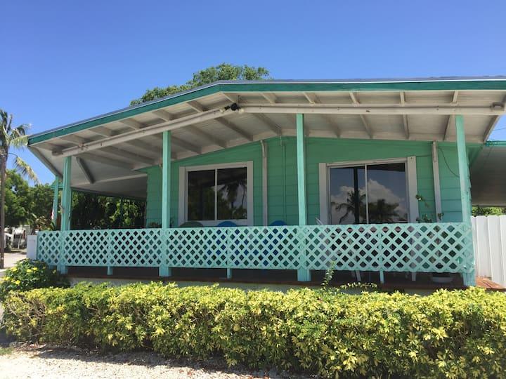 2 Bed,Kitchen, Cent Air,Beach,Marina, CaptJax#12F