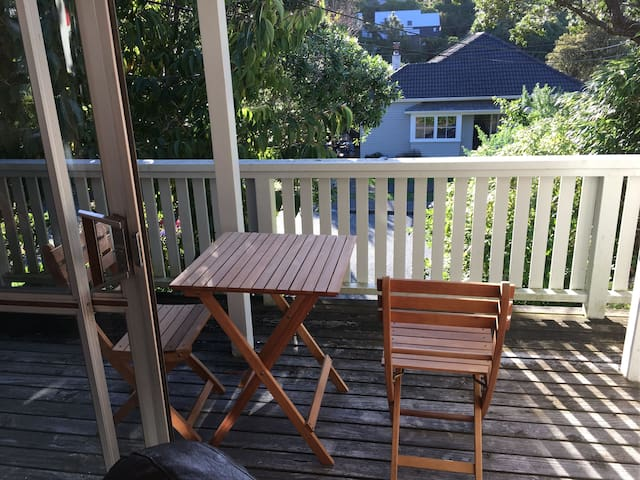 Comfortable, self-contained flat - city-end Karori