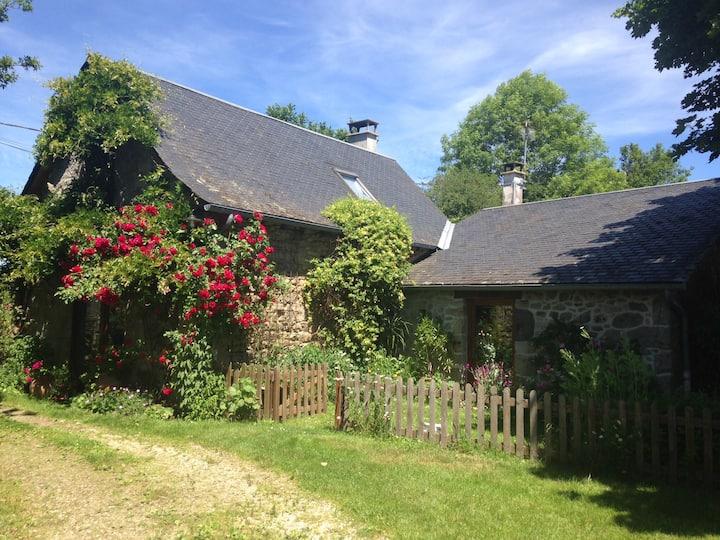 Maison et jardin Gorges Haute-Dordogne 2-4 pers