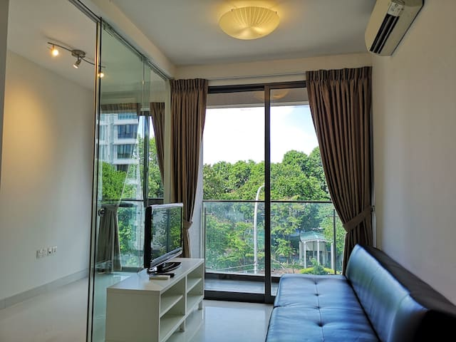 Entire 1br+study unit,2mins walk to Aljunied MRT