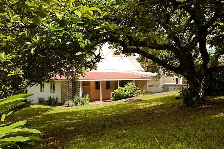 Bluemoon Cottage