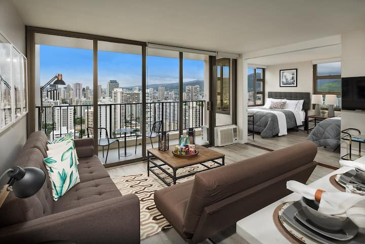 Incredible 1 Bedroom at Waikiki Banyan #3102 T-1