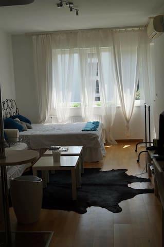 Kiadó lakás egy luxus lakóparkban - Budapeszt - Apartament