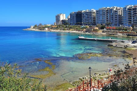 New Studio Apartment (Excellent area in Sliema)
