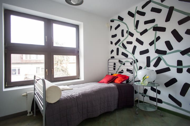 B31 - art room O - single - Warszawa - House