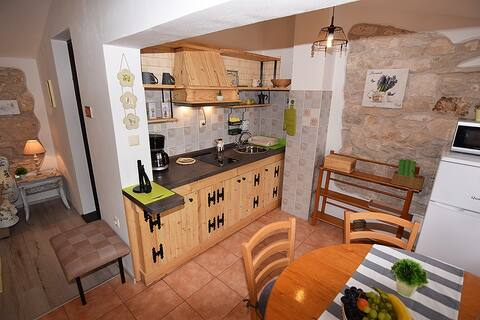 Apartment Luna Sky (2-4 persons) Old stone house