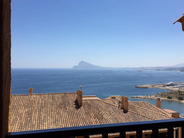 Beautiful apartment overlooking Altea Bay - Altea - Lejlighed