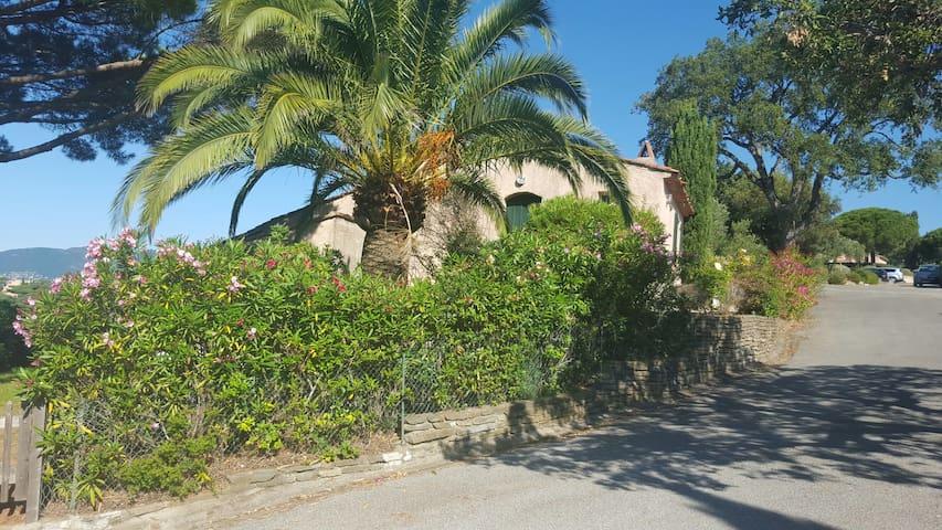 Splendide Mas avec vue panoramique - La Croix-Valmer - House