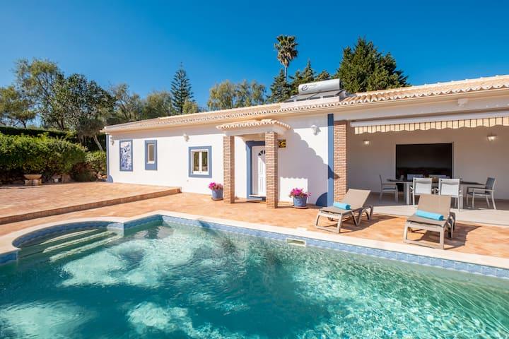 Villa Casa Amada - Heated Pool - Air Con - Free Wifi