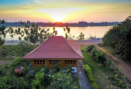 Teak Guest House on Mekong River