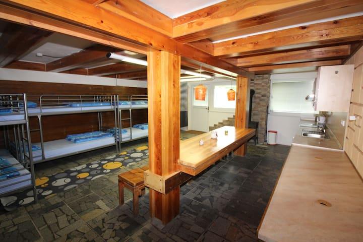 Chata Bítov - pokoj 1