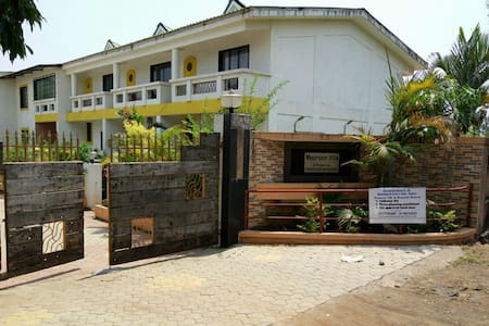 Beautiful 2BHK house with a great Garden and View - Satara - House