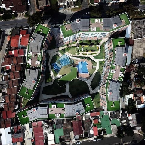 Habitación y Baño Privado en Moderno Apartamento