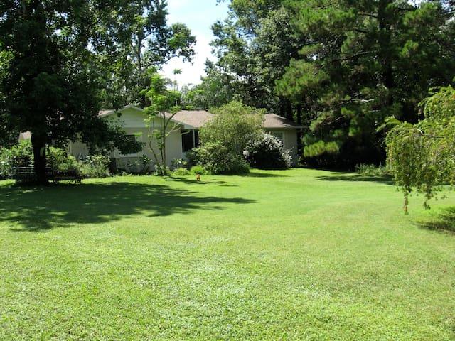 Tyler's Country Hideaway - Brooksville