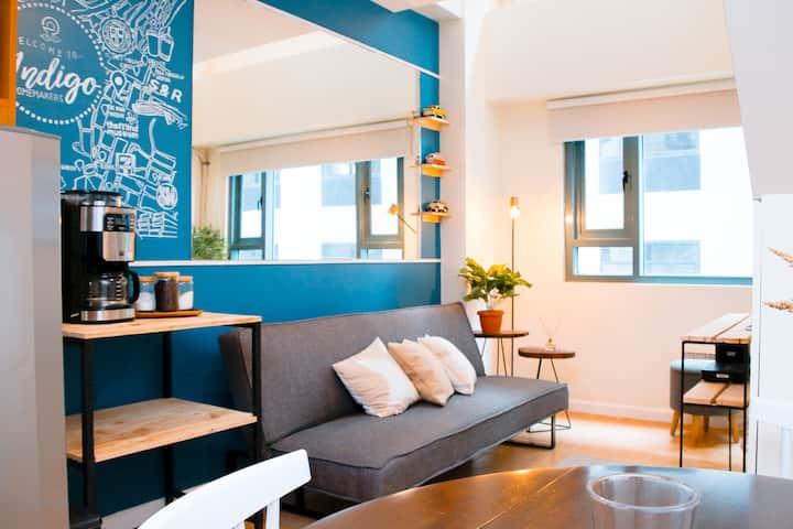 Superb Modern Apartment-at BGC, fast WIFI @Indigo