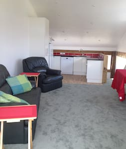 Self contained 1 bed barn conversion - Apartment