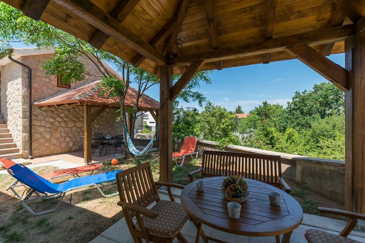 Studio House near Paklenica national park, seaside in Seline
