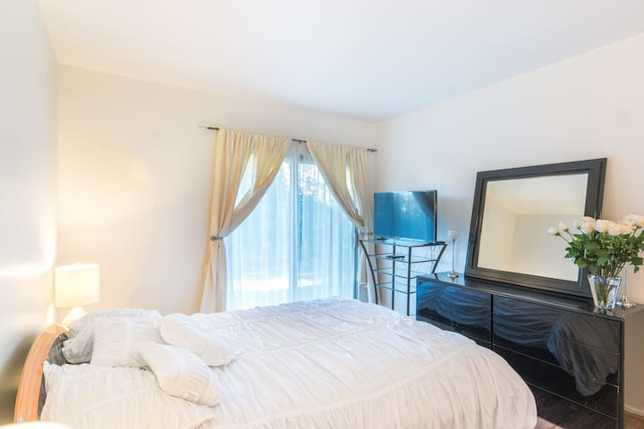 SPECIAL LUXURIOUS Unit 2 Rooms - Calabasas - Huis