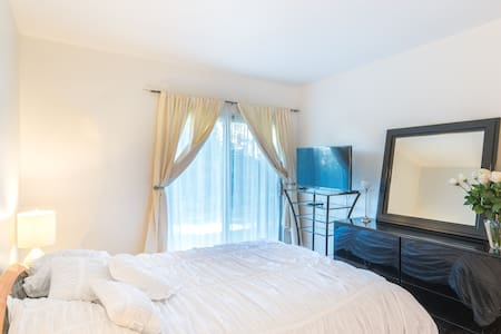 SPECIAL LUXURIOUS Unit 2 Rooms - House