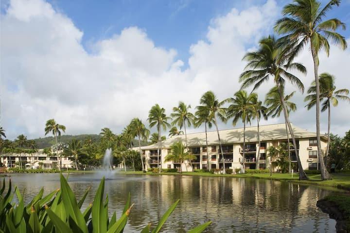 Kauai Beach Villas On Coconut Coast Shoreline