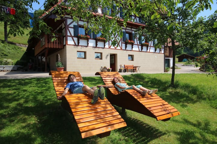 Kasimir Hof, (Seebach), 2-Zimmer-Ferienwohnung, 55 qm, 1 Schlafzimmer, max. 4 Personen